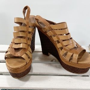 Elizabeth and James Silva Size 8.5  Wedge Strappy
